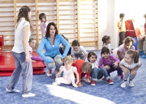 Fundatia Nadia Comaneci organizeaza cursuri pentru copii. www.cursuriminime.ro