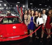 Nadia Comaneci alaturi de Catalina Ponor, Larisa Iordache, Andreea Raducan si Alina Dumitru la Tiriac Auto Collection