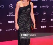Nadia Comaneci, eleganta pe covorul rosu de la Gala Premiilor Laureus 2015