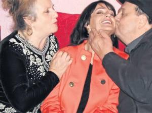 Nadia Comaneci, alaturi de mama, Stefania, si tatal, Gheorghe
