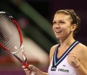 Simona Halep a invins-o pe Flavia Penetta in primul meci de la Turneul Campioanelor