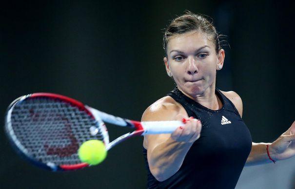 Simona Halep si Monica Niculescu participa la turneul de tenis de la Doha