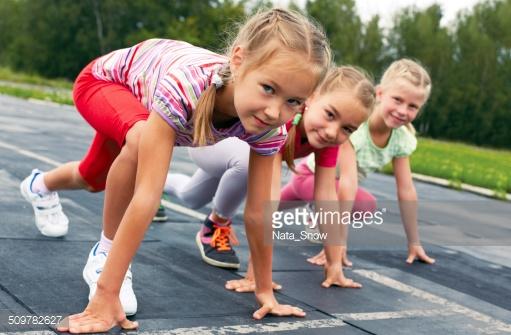 Copiii iubesc sa faca miscare in aer liber