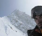 """Alpinistul roman Alex Gavan: """"Viata este dura pe acoperisul lumii"""""""