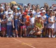 Simona Halep la Kids Day - BRD Bucharest Open