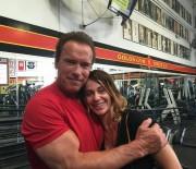 Nadia Comaneci, la antrenament alaturi de Arnold Schwarzenegger