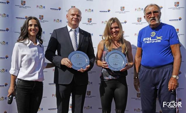 Ion Tiriac, a inaugurat doua terenuri de tenis pe zgura alaturi de Simona Halep