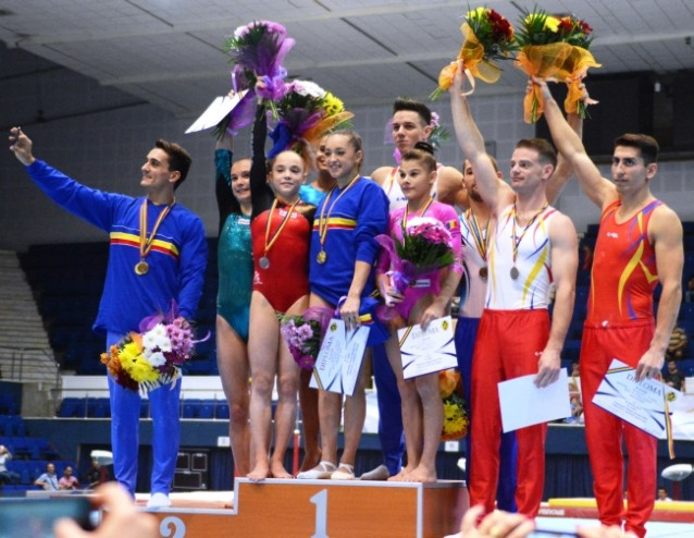 Larisa Iordache - trei titluri in finalele pe aparate. Marian Dragulescu, revenire spectaculoasa. Sursa foto: romgym.ro