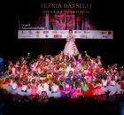 Feeria Florilor cu dansatorii si banerinele MiniMe