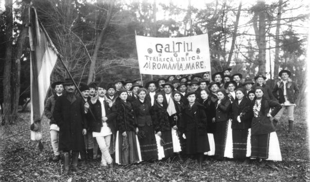 Sute de mii de români au strigat dintr-un singur piept și un singur suflet: Trăiască România Mare!